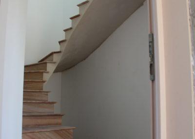 Escalier sur voûte sarrasine en pierre du Brésil