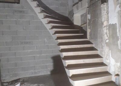 Escalier en pierre sur voûte sarrasine