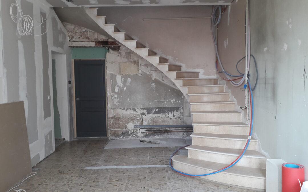 Escalier voûte sarrasine en pierre de Magny